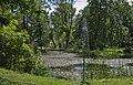 2014 Nowy Waliszów, staw w parku przy dworze 01.JPG