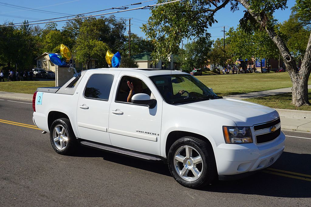 Chevrolet Avalanche 2016 >> File 2016 A M Commerce Homecoming Parade 19 Chevrolet Avalanche