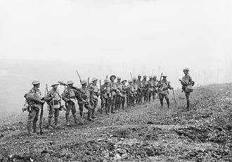 8th Brigade (Australia) - A platoon commander from the 29th Battalion addresses his troops, 8 August 1918