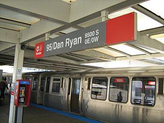 95th/Dan Ryan station - 95th/Dan Ryan station in April 2009