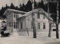 9985. Roald Amundsen - Villa fra haven - no-nb digifoto 20150220 00135 bldsa RA alb001 004.jpg