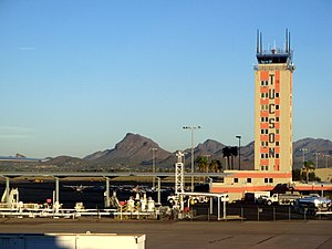A view of the control tower at the Tucson airport. - panoramio.jpg