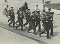Aankomst van een detachement van de Koninklijke Marine aan het station op de maa – F40352 – KNBLO.jpg