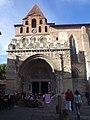 Abbaye Saint-Pierre (entrée).jpg