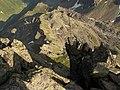 Abgründe ins Gandatal unterm Madrisa-Gipfelkreuz.jpg