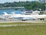 Aircraft IMGP0379 Challenger 604 HB-JRQ (24977327351).jpg