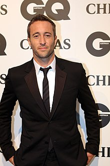 Alex O'Loughlin (6382639805).jpg