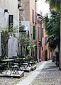 "Altstadtgasse ""via Panigari"" in Locarno TI.jpg"