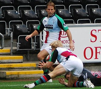 Andy Gomarsall - Gomarsall in action against the Ospreys