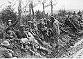Angielscy i amerykańscy jeńcy wojenni w niewoli niemieckiej na froncie włoskim (2-2507).jpg