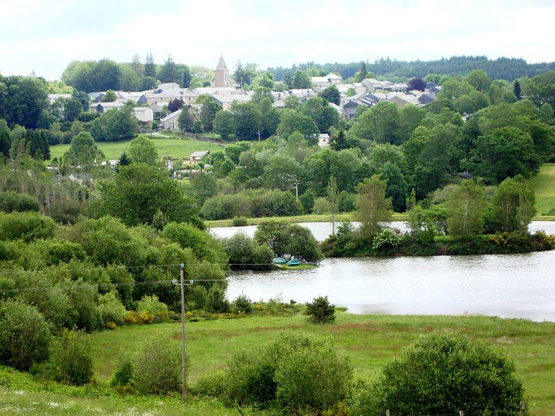 File:Anglès (Tarn, Fr) vue du village.JPG