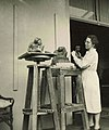 Anna Petronella van der Heide - Hemsing in haar Atelier.jpg
