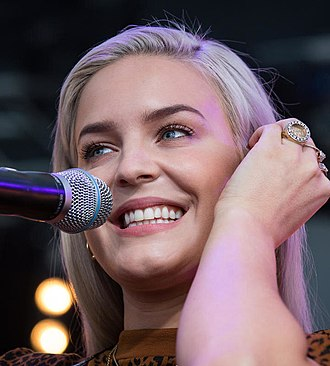 Anne-Marie (singer) - Anne-Marie performing at SWR3 New Pop Festival in 2017