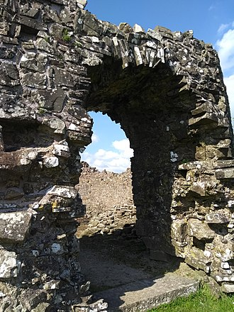Wiston Castle - The archway at Wiston Castle