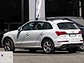 Audi Q5 2.0 TDi S-Line 2013 (16442449126).jpg