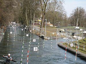 Augsburg Eiskanal - Image: Augsburg Eiskanal Abzweig der Olympiastrecke