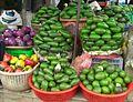 Avocats au marché - Vietnam.JPG