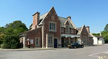 Axminster-stationfront-01.jpg