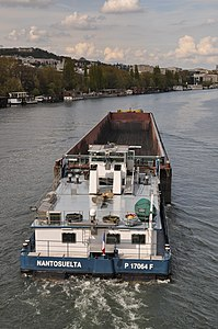 Barge Dole on the river Seine in Saint-Cloud 003.JPG