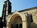Beaulieu-sur-Dordogne - Abbatiale Saint-Pierre - Portail sud et tour Ouest.JPG