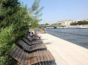 "History of parks and gardens of Paris - A ""floating garden"" of the Promenade des Berges de la Seine (2013), a 2.3 kilometer long park along the left bank of Seine in the 7th arrondissement."