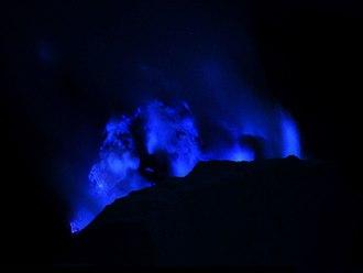 Ijen - Blue sulfur flames in Ijen Caldera