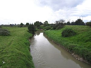 Tunjuelo River - Image: Bogotá Río Tunjuelito a la altura de la 61S