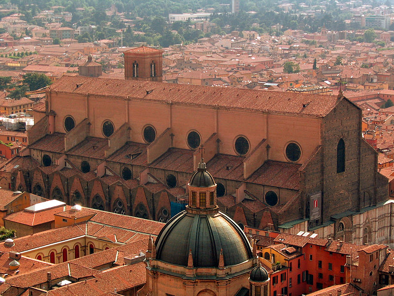 Fichier:Bologna Italy San Petronio from Asinelli.jpg