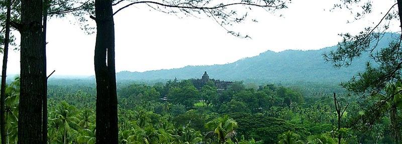 Berkas:Borobudur Panoramic View.jpg
