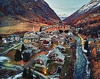 Bruil, Rhemes Valley (38406553102).jpg