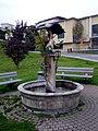 Brunnen mit hl. Sebastian Telfs.JPG