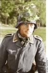 Bundesarchiv Bild 101II-M2KBK-772-27, Arnheim, deutsches 2 cm Flakgeschütz Recolored.png