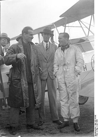 Alan Samuel Butler - Europa Rundflug 1930 Alan Butler and his co-pilot Hubert Broad in Berlin-Tempelhof