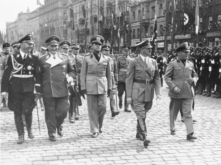 File:Bundesarchiv Bild 183-H12939, Münchener Abkommen, Ankunft Mussolinis.jpg