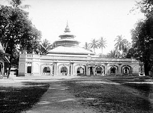 Ganting Grand Mosque - Image: COLLECTIE TROPENMUSEUM Moskee T Mnr 10016541