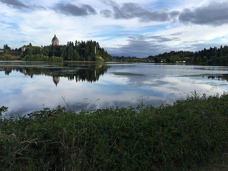File:Capitol Lake.jpg