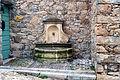 Cateri fontaine du village.jpg