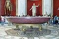 Catino in porfido rosso, Sala Rotonda, Musei Vaticani - panoramio.jpg