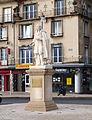 Château-Thierry-02-statue La Fontaine-W65.JPG