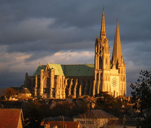 Chartres Cathedral, 1220 Chartres Cath+Gare.JPG