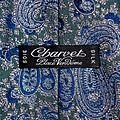 Charvet Paris griffe passe-pan cravate motif cachemire.JPG
