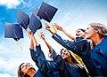 Chicos-graduados-contentos-.jpg