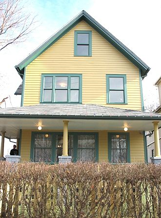 A Christmas Story - The front of the Parkers' house where A Christmas Story was filmed in the Tremont neighborhood of Cleveland's west side. The building, restored and reconfigured inside to match the soundstage interiors, is open to the public as A Christmas Story House