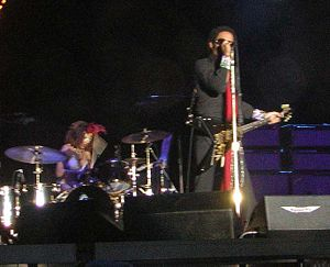 Cindy Blackman Santana - Blackman with Kravitz in concert in Chile on March 9, 2005.