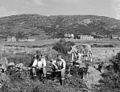 Cloddio am ddwr ar Ynys Enlli yn ystod sychtwr 1962 (19315950112).jpg