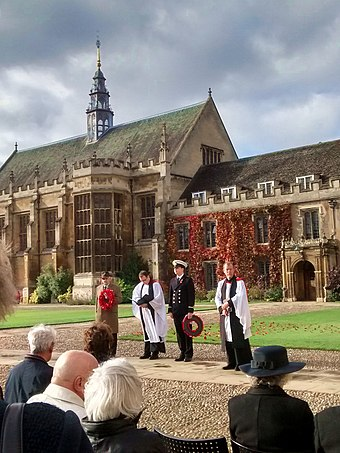 Remembrance Service at Trinity College, Cambridge in 2018. Cmglee Cambridge Trinity College Remembrance Service 2018.jpg