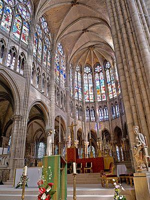 1140s in architecture - Image: Coeur de la Basilique de Saint Senis