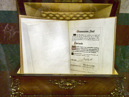 A copy of the Spanish Constitution, signed by King Juan Carlos, is held at the Palace of the Cortes. Constitucion espanola 1978.JPG