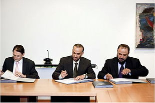 Contract signing.jpg