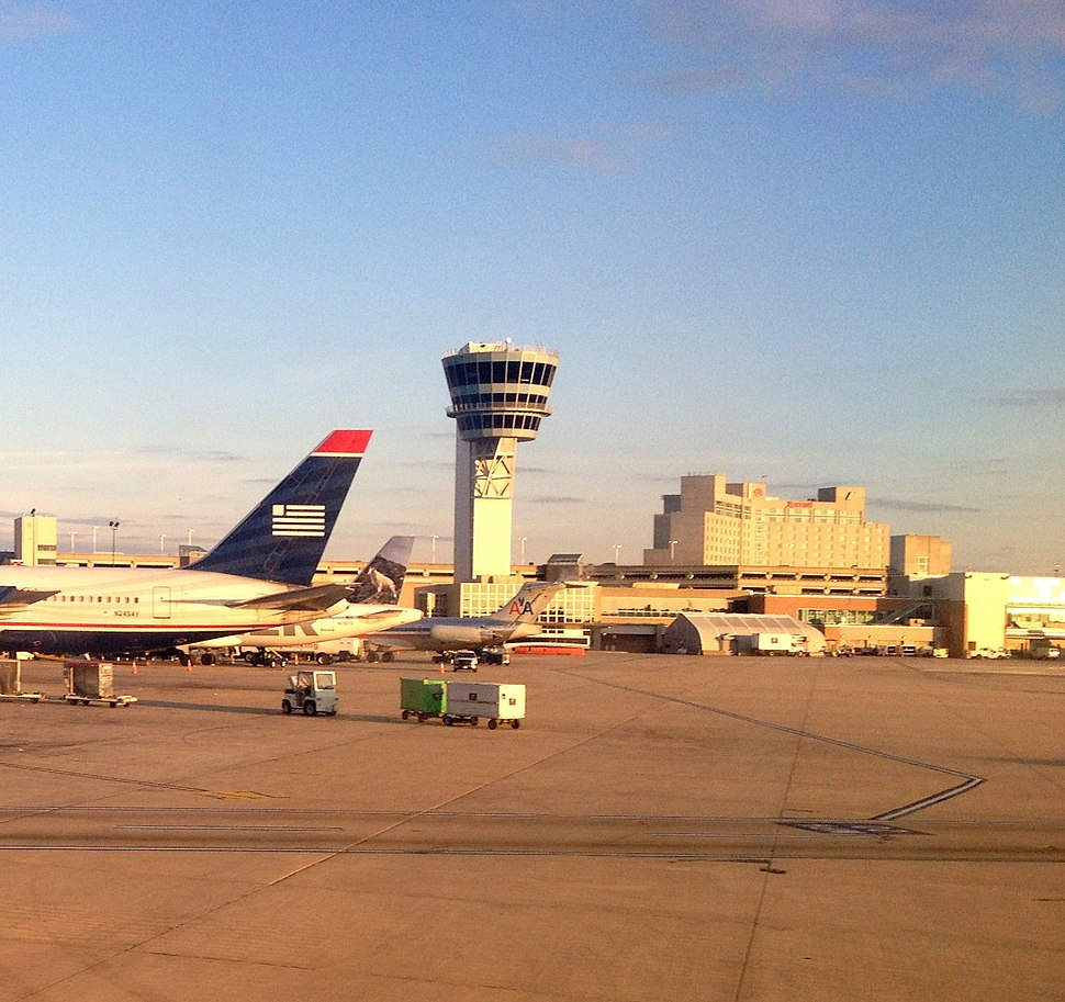 Control tower at Philadelphia International Airport PHL - panoramio